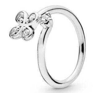 (New) Pandora Flower Ring